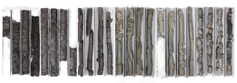 Image: collected soil samples of Land in Wording, a depth of 10 meters and a time depth of approx. 6000 years, Jacqueline Heerema 2019-2020