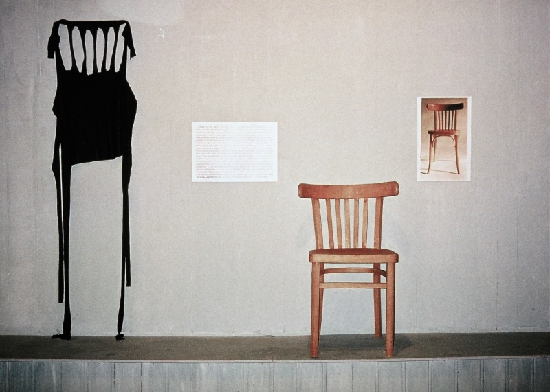 One and four chairs, Jacqueline Heerema, 2001 After Joseph Kosuth, one and three chairs (1965) - object, photo, text - I added the fourth chair of emotion